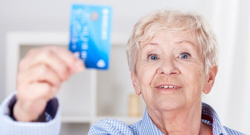 Когда приходит пенсия на карточку Сбербанка и что делать, если она не пришла?